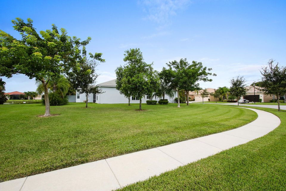 Additional photo for property listing at 9699 Dovetree Isle Drive  Boynton Beach, Florida 33473 United States