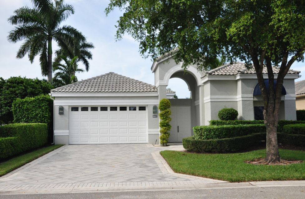 3507 Nw Clubside Circle