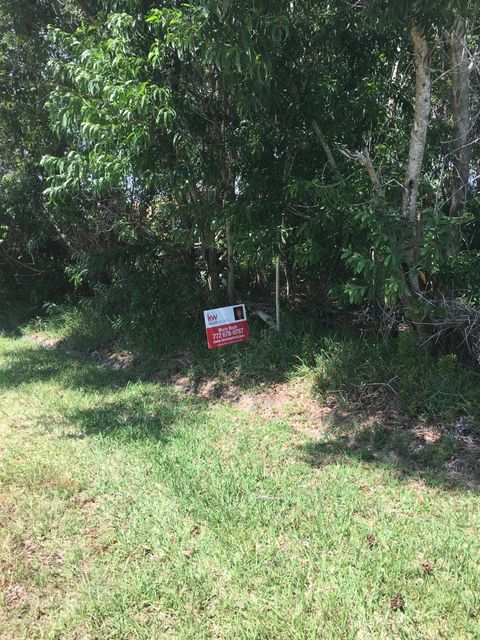 Additional photo for property listing at 2408 SE Charleston Drive  Port St. Lucie, Florida 34953 United States
