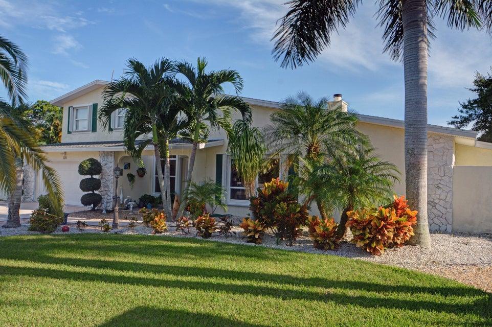 124 Queen Isabella Court, Fort Pierce, FL 34949