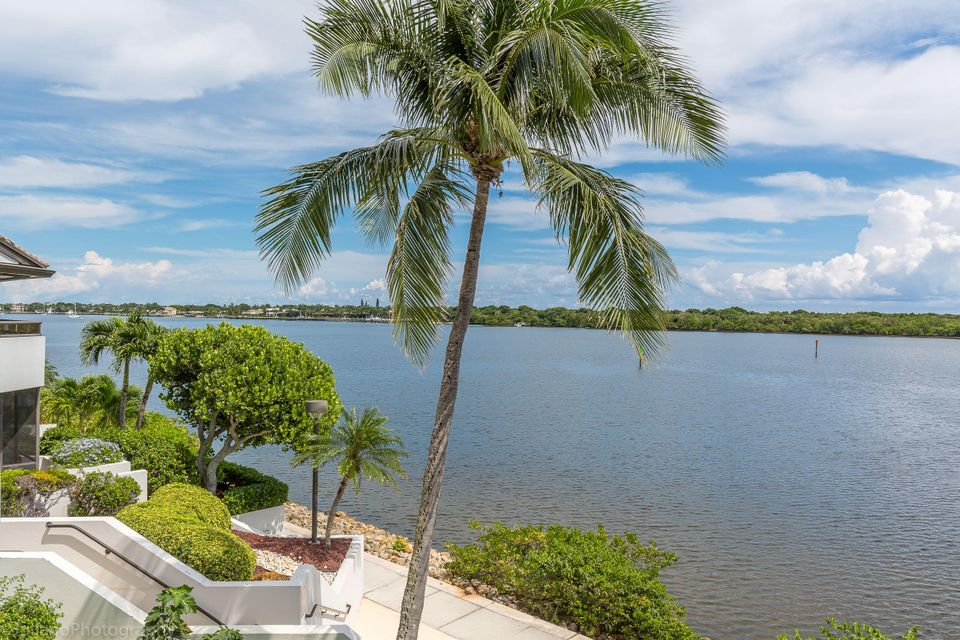 Additional photo for property listing at 100 Lakeshore Drive  North Palm Beach, Florida 33408 Vereinigte Staaten