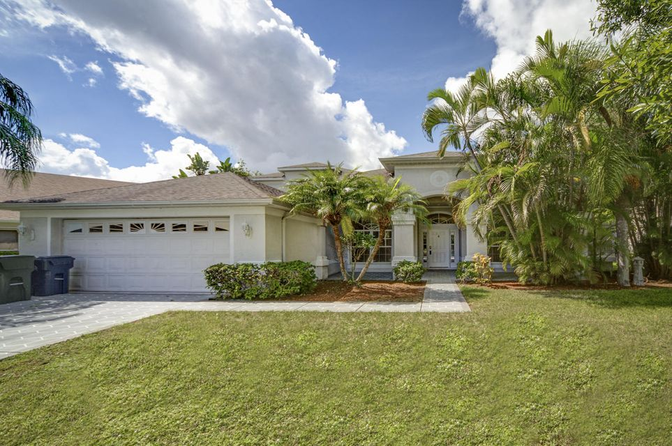 490 NW Bellworth Place R, Jensen Beach, FL 34957