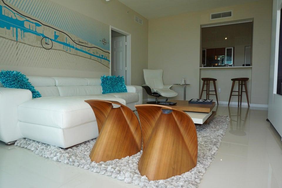 Condominium for Rent at 625 Casa Loma Boulevard # Ph8 625 Casa Loma Boulevard # Ph8 Boynton Beach, Florida 33435 United States