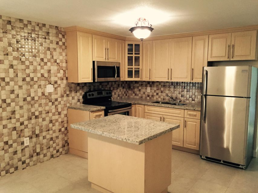 27 Springdale Road , Lake Worth FL 33467 is listed for sale as MLS Listing RX-10273299 28 photos