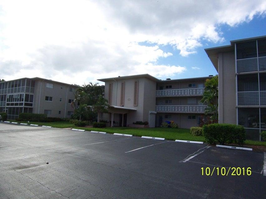 2616 Garden Drive 211  Lake Worth, FL 33461