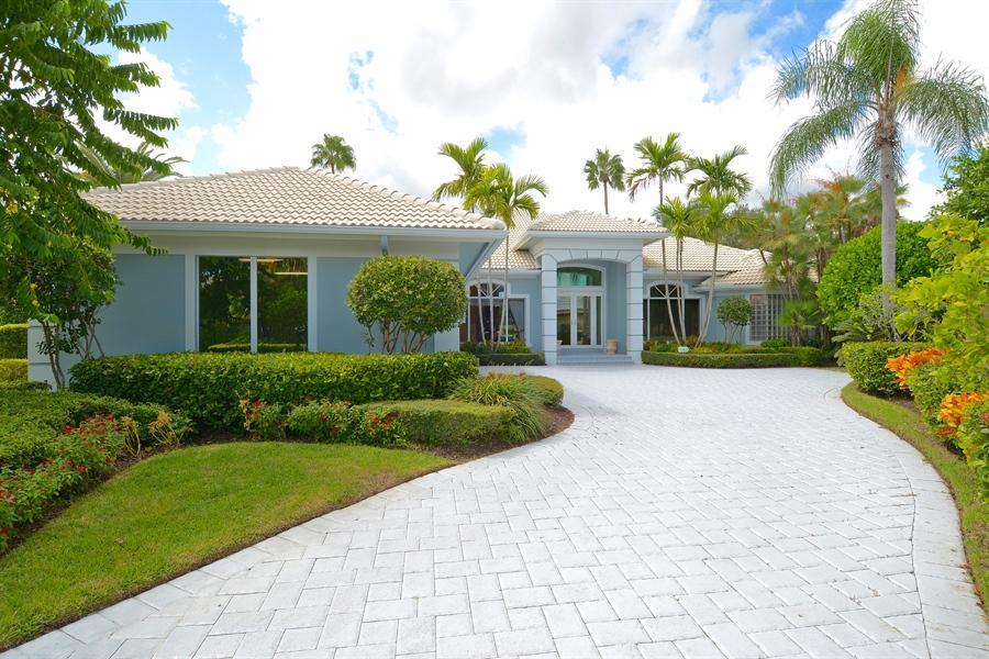 61 Saint James Drive, Palm Beach Gardens, FL 33418