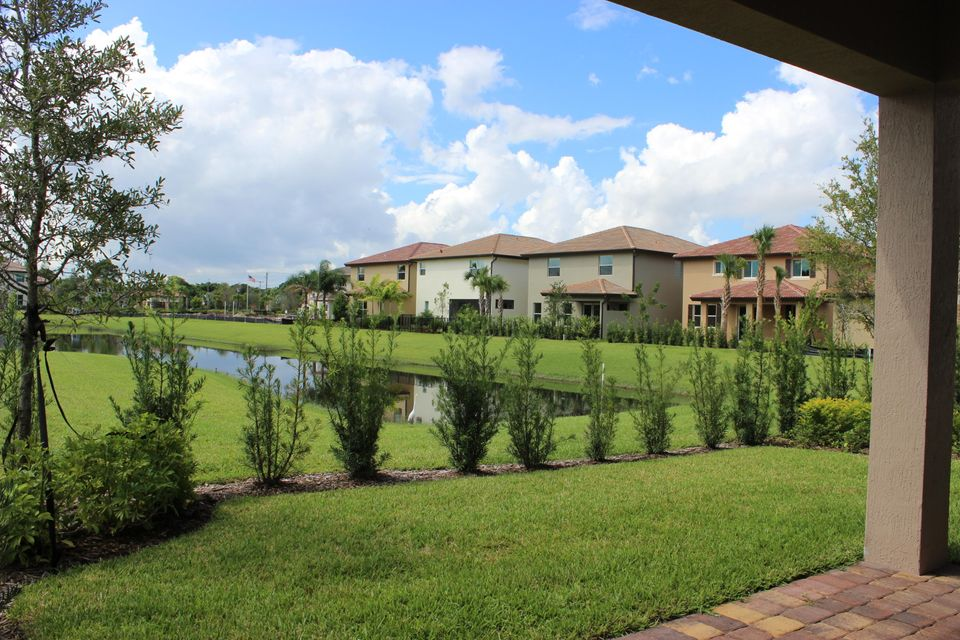 Additional photo for property listing at 5824 Ashdale Road  Lake Worth, Florida 33463 United States