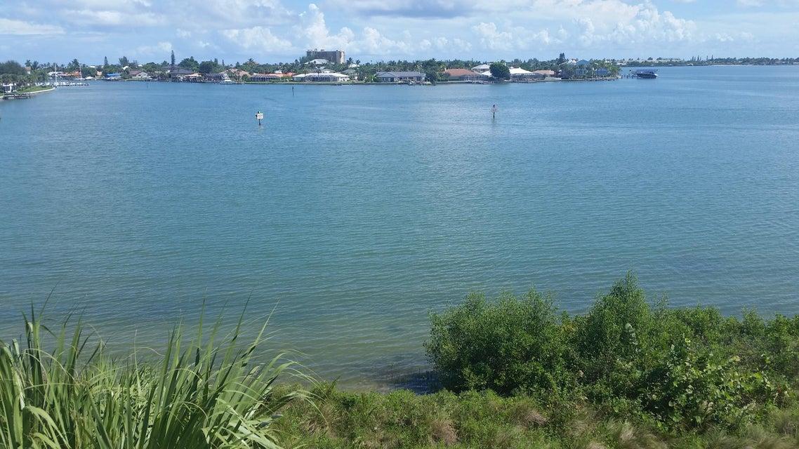 3 Harbour Isle Drive E 304, Hutchinson Island, FL 34949