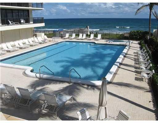 Additional photo for property listing at 2727 S Ocean Boulevard 2727 S Ocean Boulevard Highland Beach, Florida 33487 Estados Unidos