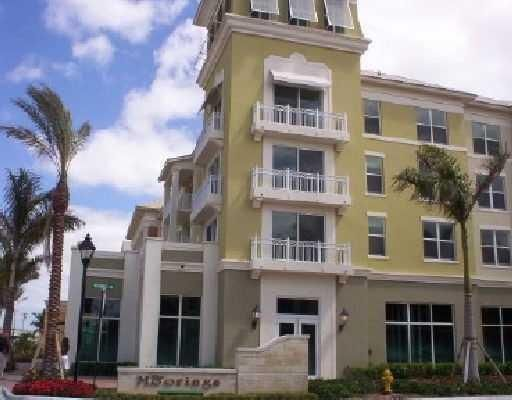 Co-op / Condo for Sale at 802 W Windward Way 802 W Windward Way Lantana, Florida 33462 United States