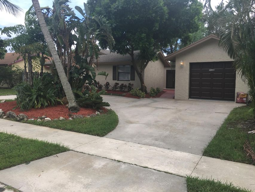 Home for sale in COUNTERPOINT ESTATES PL 3 Royal Palm Beach Florida