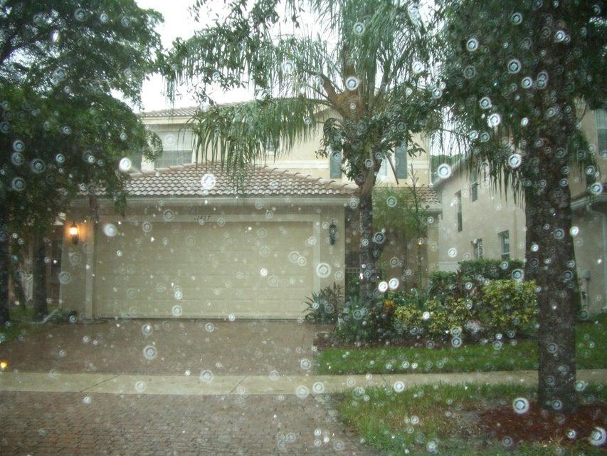 11427 Blue Violet Lane  Royal Palm Beach, FL 33411