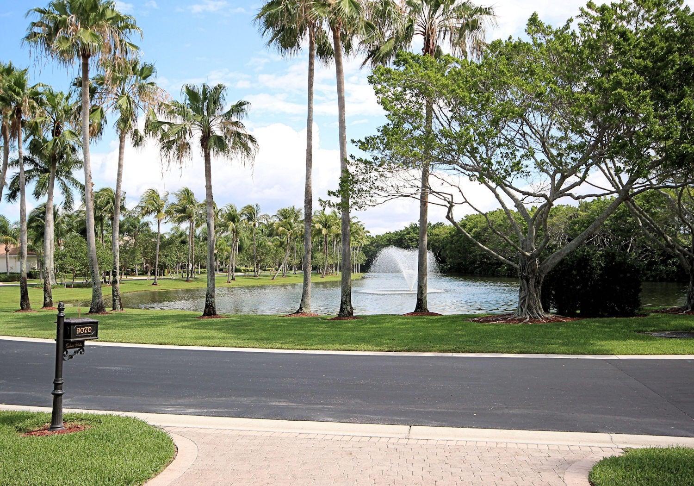 9070 Lakes Boulevard