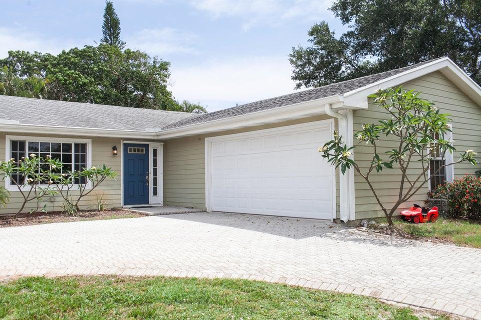 19752 Riverside Drive, Jupiter, FL 33469
