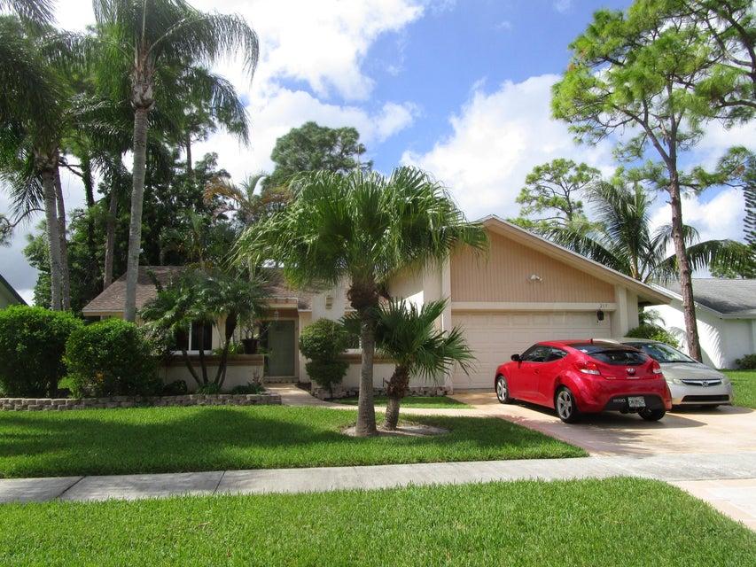 217 Parkwood Drive  Royal Palm Beach, FL 33411