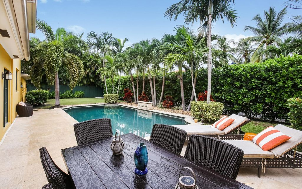 Additional photo for property listing at 235 Russlyn Drive 235 Russlyn Drive West Palm Beach, Florida 33405 United States