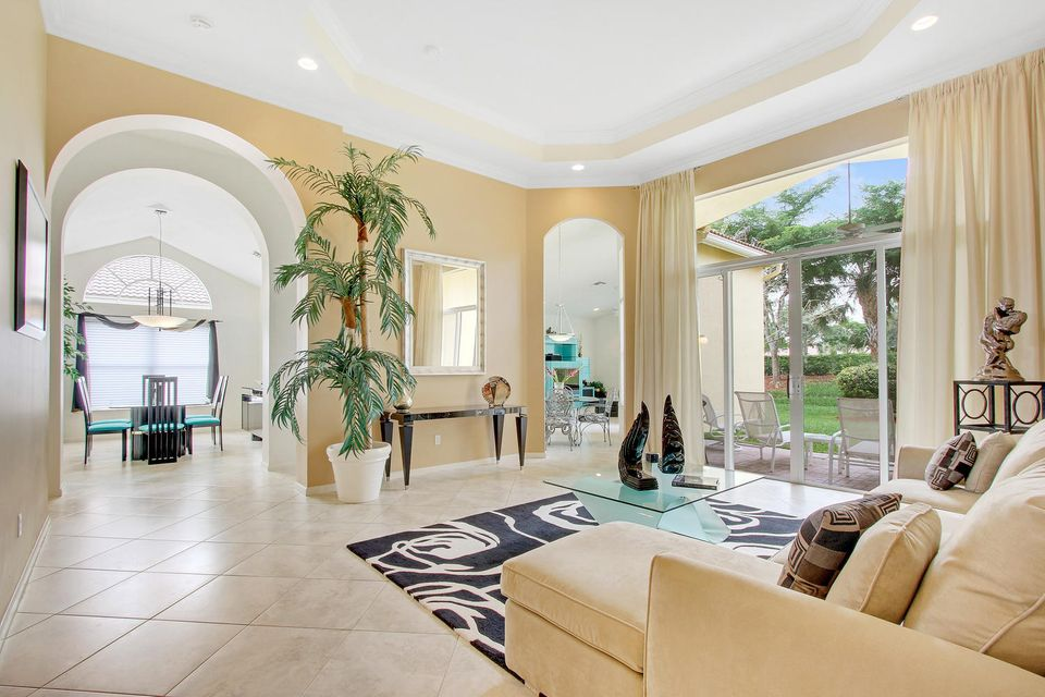 Maison unifamiliale pour l Vente à 8695 Tierra Lago Cove Lake Worth, Florida 33467 États-Unis