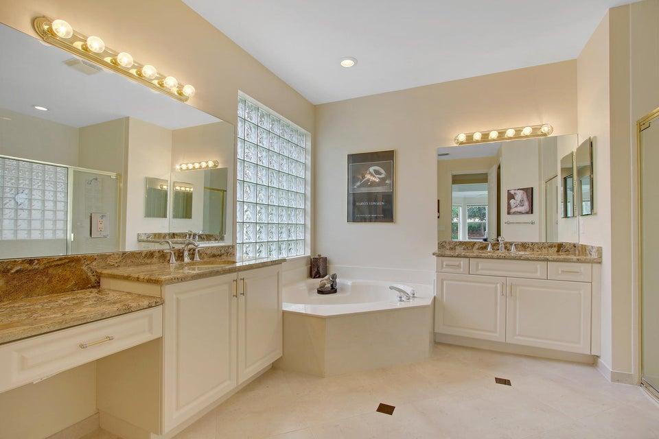 Additional photo for property listing at 8695 Tierra Lago Cove  Lake Worth, Florida 33467 Estados Unidos
