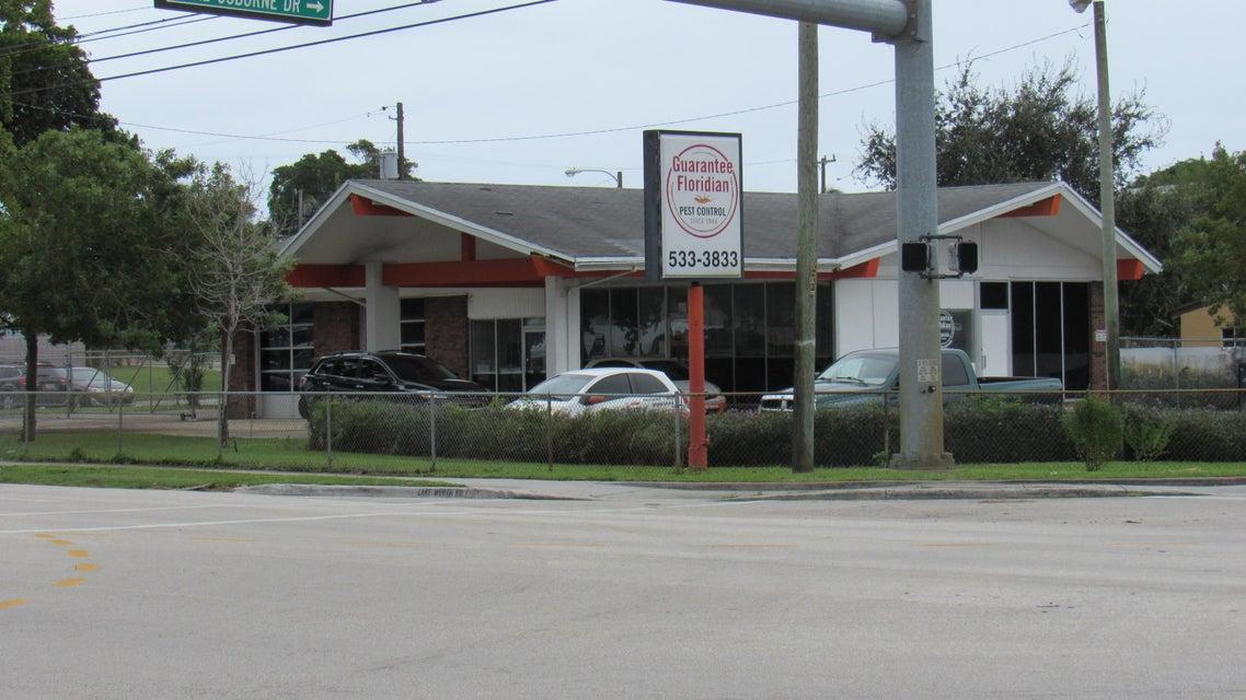 2115 Lake Worth Road, Lake Worth, FL 33461