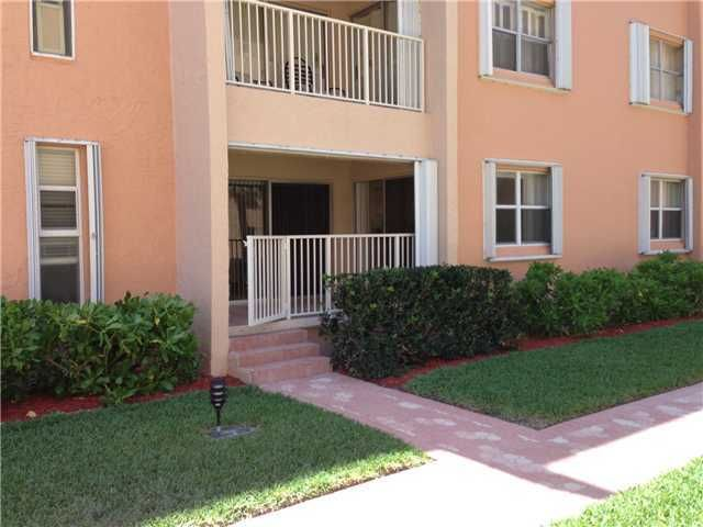 Additional photo for property listing at 3520 S Ocean Boulevard 3520 S Ocean Boulevard South Palm Beach, Florida 33480 Estados Unidos