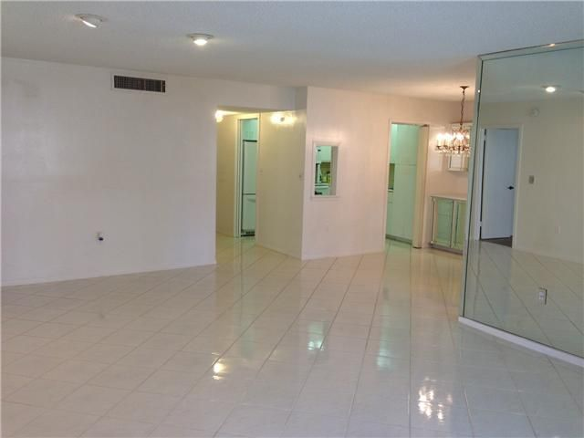 Additional photo for property listing at 3520 S Ocean Boulevard  South Palm Beach, Florida 33480 Vereinigte Staaten