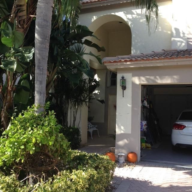 1241 Avondale Lane, West Palm Beach, FL 33409