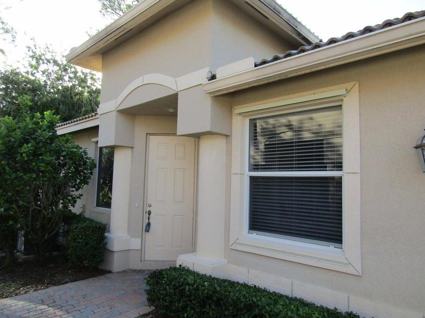 7335 Sea Pines Court, Port Saint Lucie, FL 34986