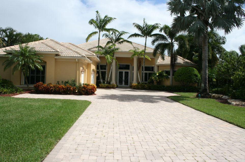 7852 Fairway Lane, West Palm Beach, FL 33412