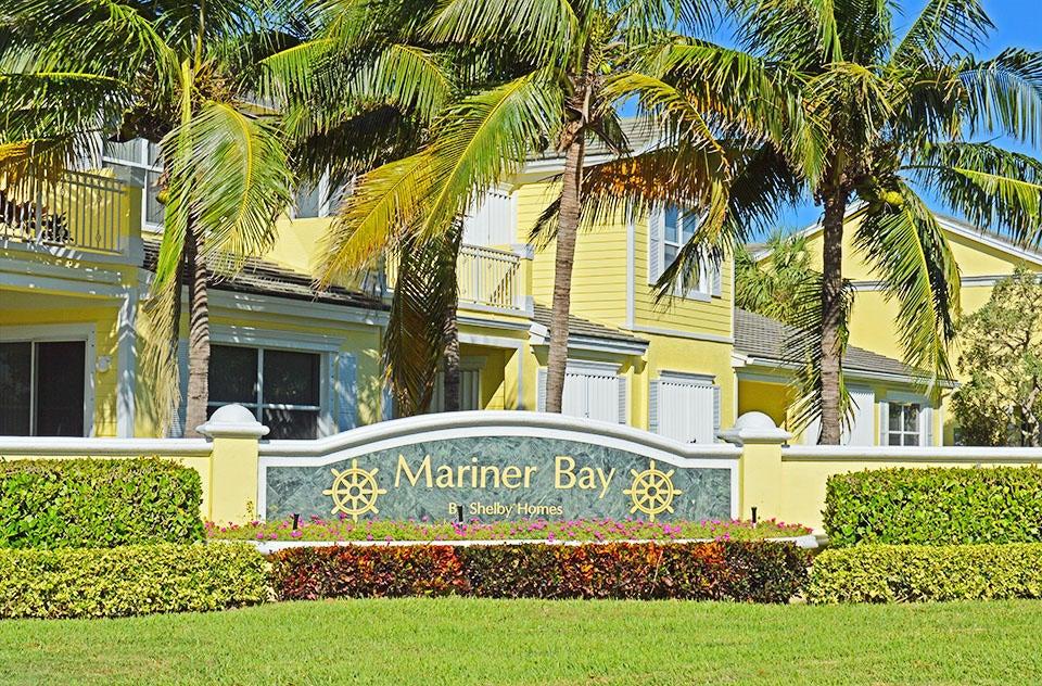 Maison accolée pour l Vente à 604 Mariner Bay Boulevard 604 Mariner Bay Boulevard Fort Pierce, Florida 34949 États-Unis