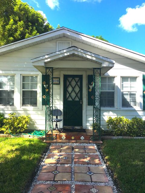 209 NE 11th Street, Delray Beach, FL 33483