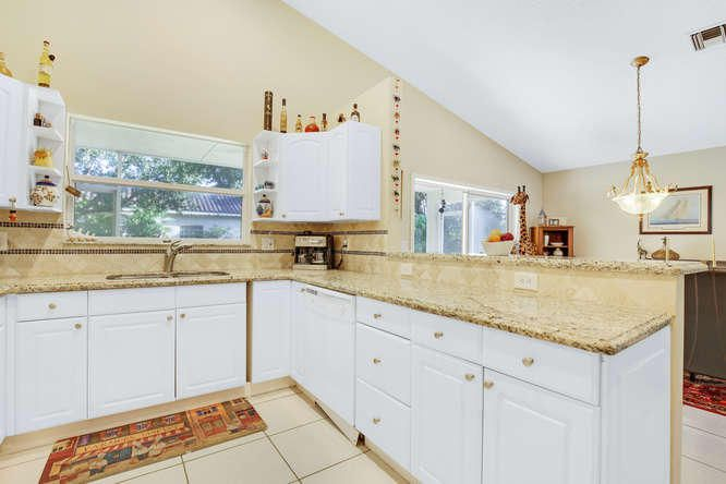 Additional photo for property listing at 1665 SW 16th Street  Boca Raton, Florida 33486 Estados Unidos