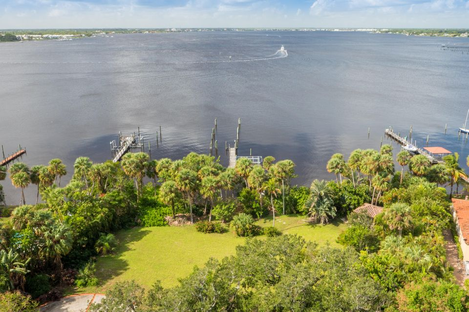 Single Family Home for Sale at 103 N Sewalls Point Road Sewalls Point, 34996 United States