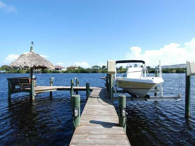 Additional photo for property listing at 2641 SE North Lookout Boulevard 2641 SE North Lookout Boulevard Port St. Lucie, Florida 34983 United States