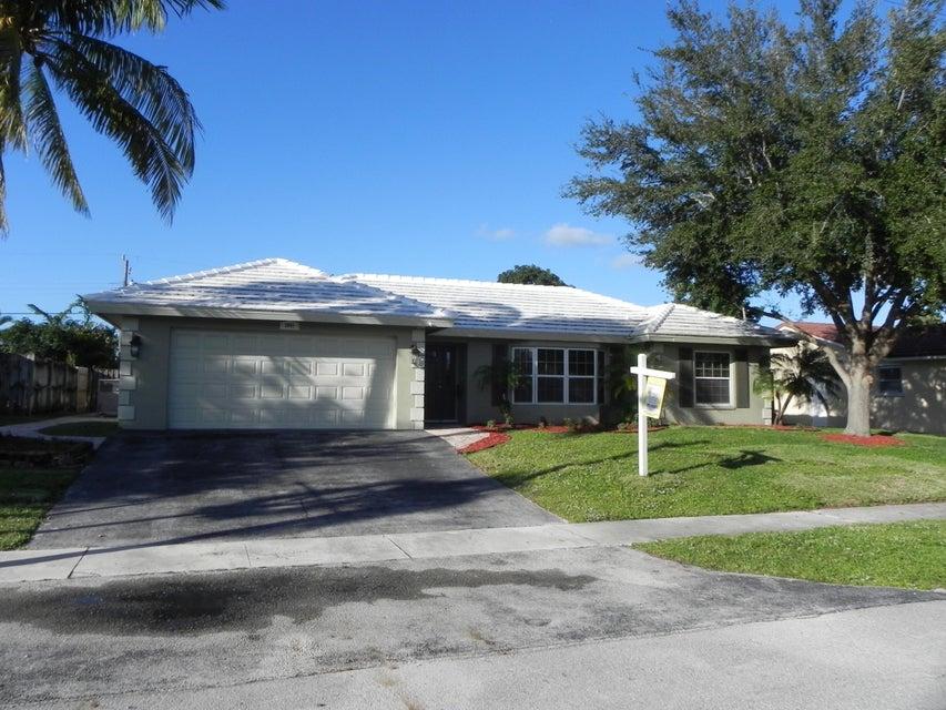 1041 SW 13th Place, Boca Raton, FL 33432