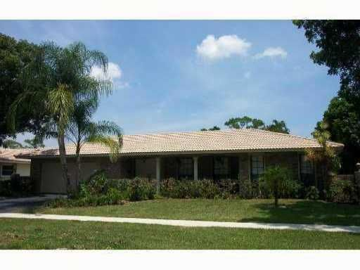 20864 Soneto Drive, Boca Raton, FL 33433