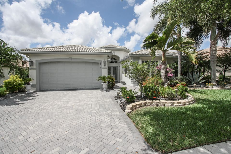 8898 Majorca Bay Drive, Lake Worth, FL 33467