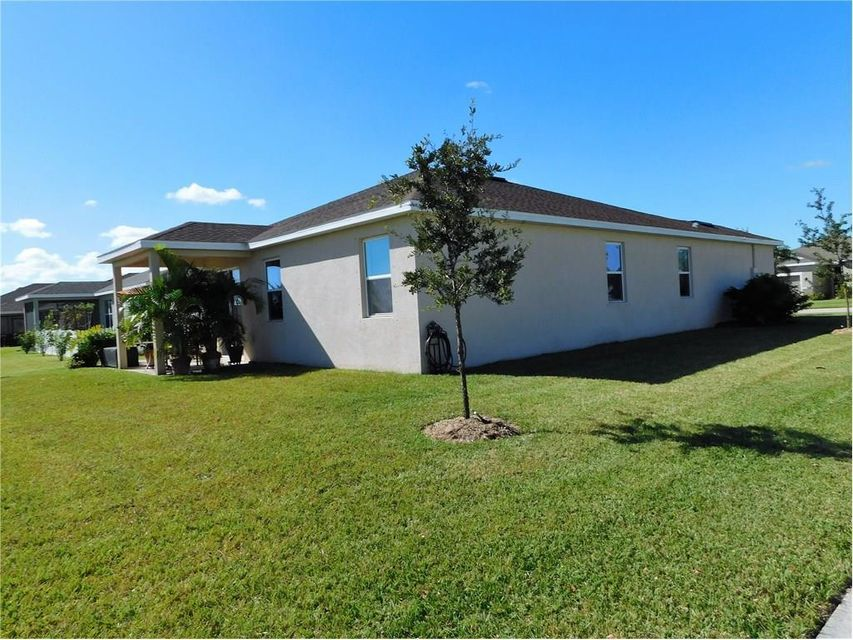 Additional photo for property listing at 101 Elena Drive  Sebastian, Florida 32958 United States