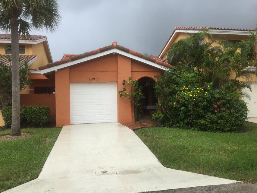 20955 Del Casa Drive, Boca Raton, FL 33433