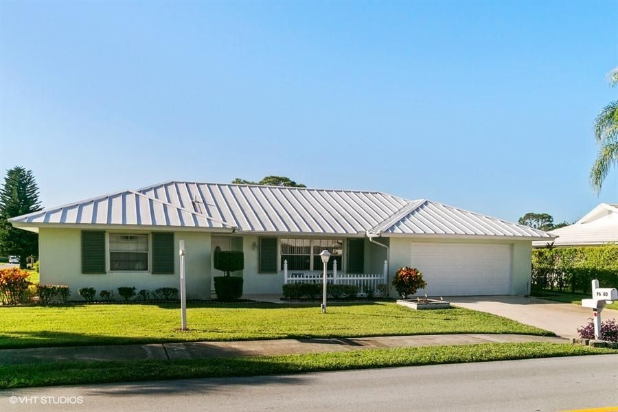 9680 SE Little Club Way N, Tequesta, FL 33469
