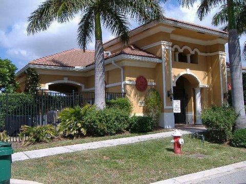 3269 Scarletta Dr Riviera Beach Fl 33404 Villa Rosa