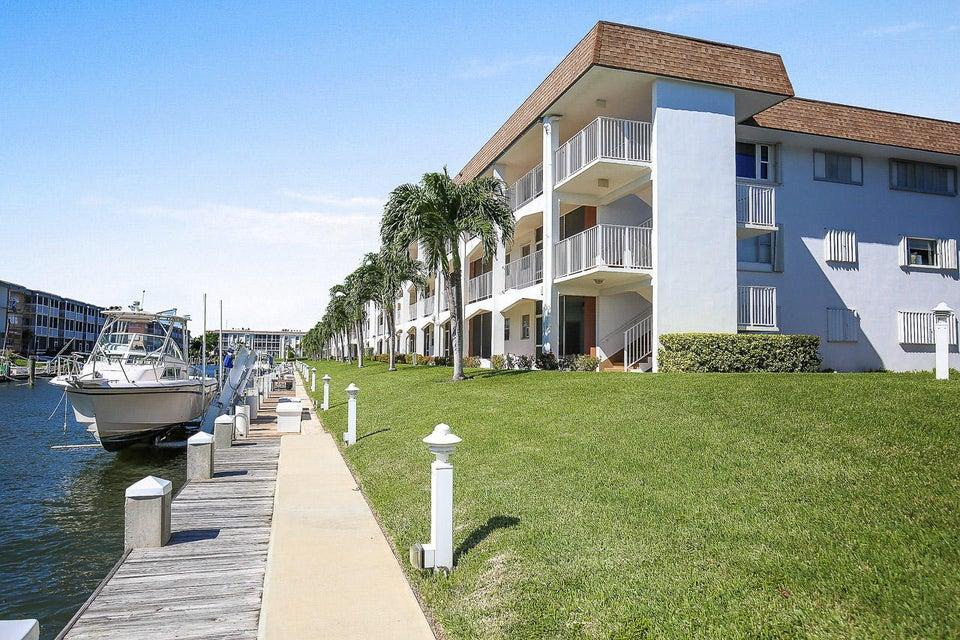 110 Shore Court 312, North Palm Beach, FL 33408
