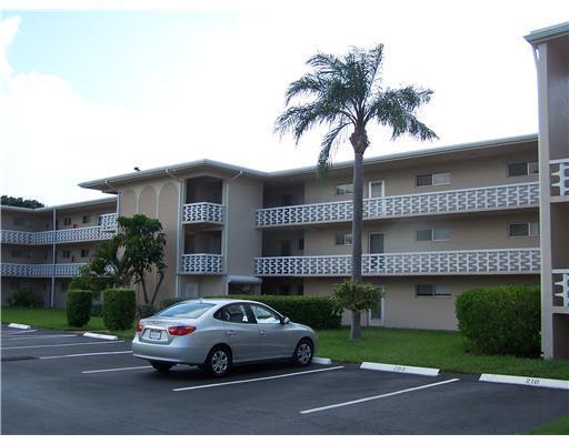 2682 S Garden Drive 109  Lake Worth, FL 33461