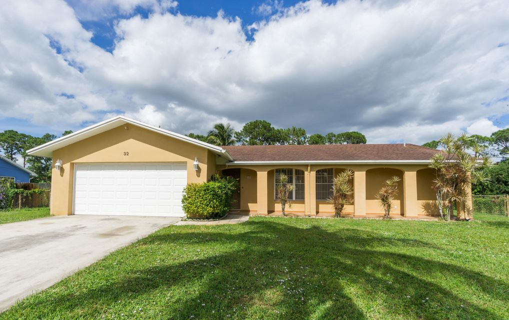 32 W Mango Road , Lake Worth FL 33467 is listed for sale as MLS Listing RX-10277529 24 photos