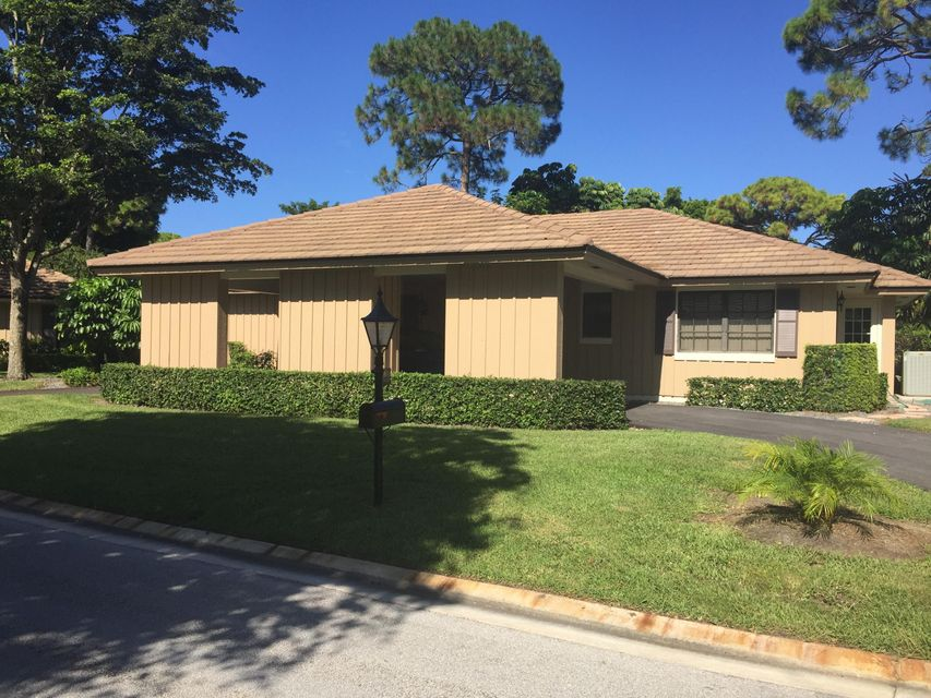 735 Muirfield Circle, Lake Worth, FL 33462