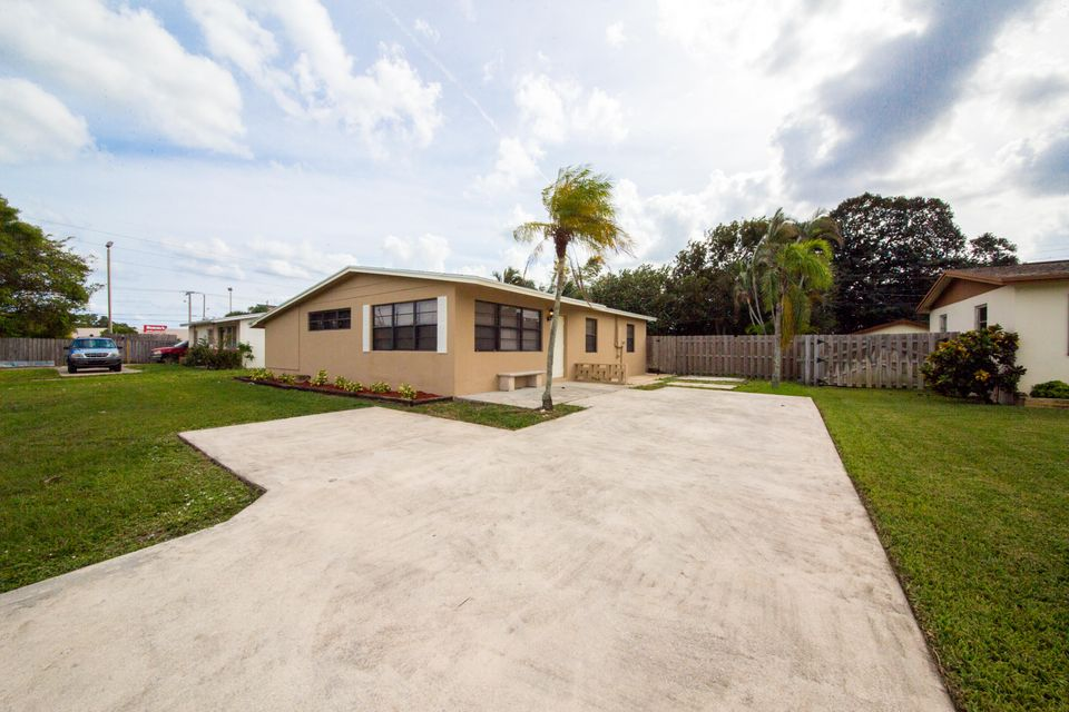 Home for sale in SUTTON TERRACE SOUTH West Palm Beach Florida