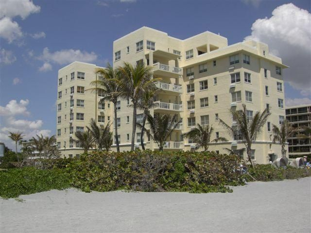 Additional photo for property listing at 2730 S Ocean Boulevard 2730 S Ocean Boulevard Palm Beach, Florida 33480 Estados Unidos