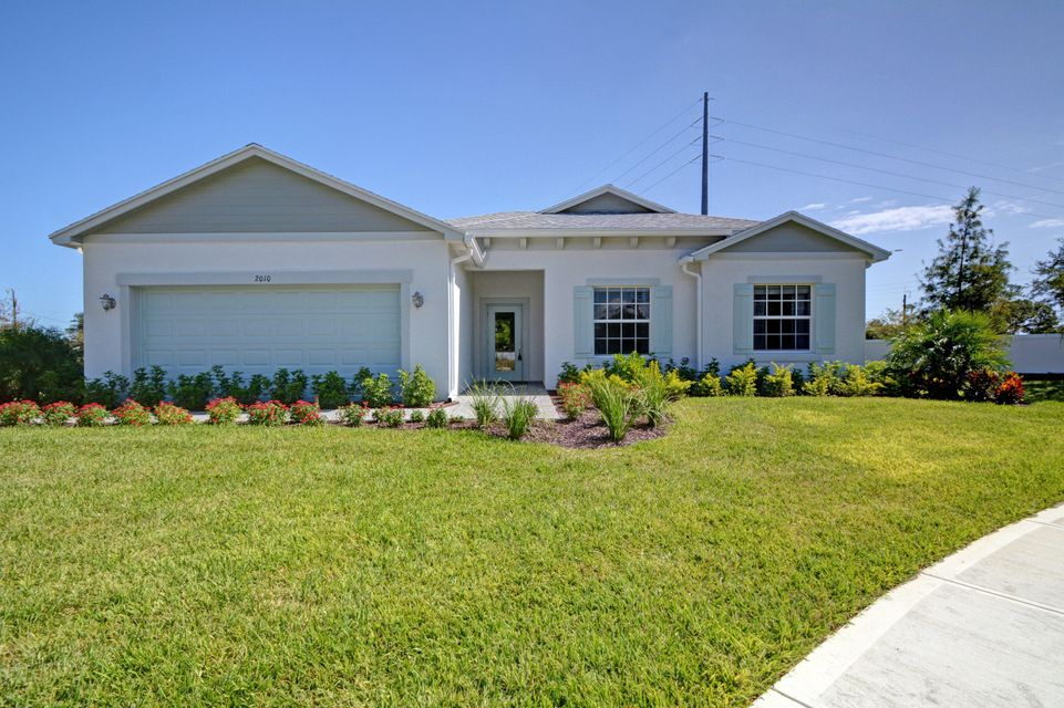 2010 46th Avenue, Vero Beach, FL 32966