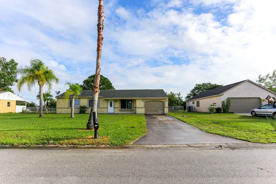 515 SW Belmont Circle, Port Saint Lucie, FL 34953