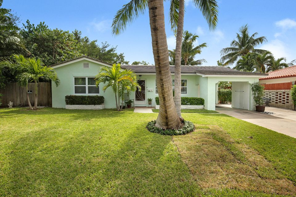 Home for sale in Yacht Harbor Estates Singer Island Florida