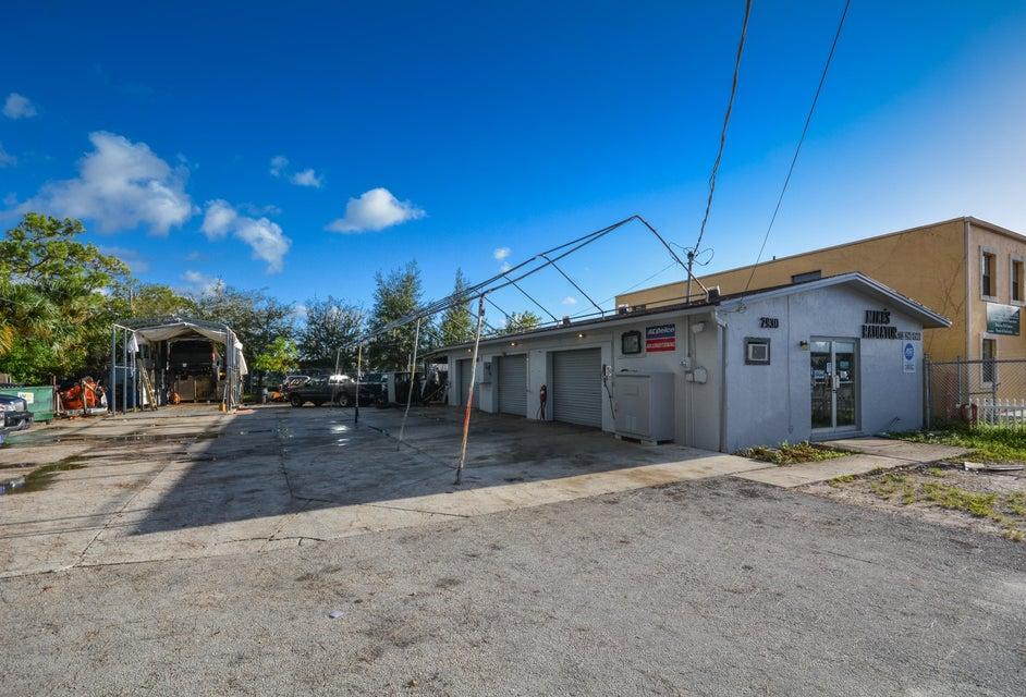 2930 SE Kensington Street, Stuart, FL 34997